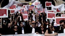 Avocats, infirmiers... Les craintes des professions libérales face à la réforme des retraites