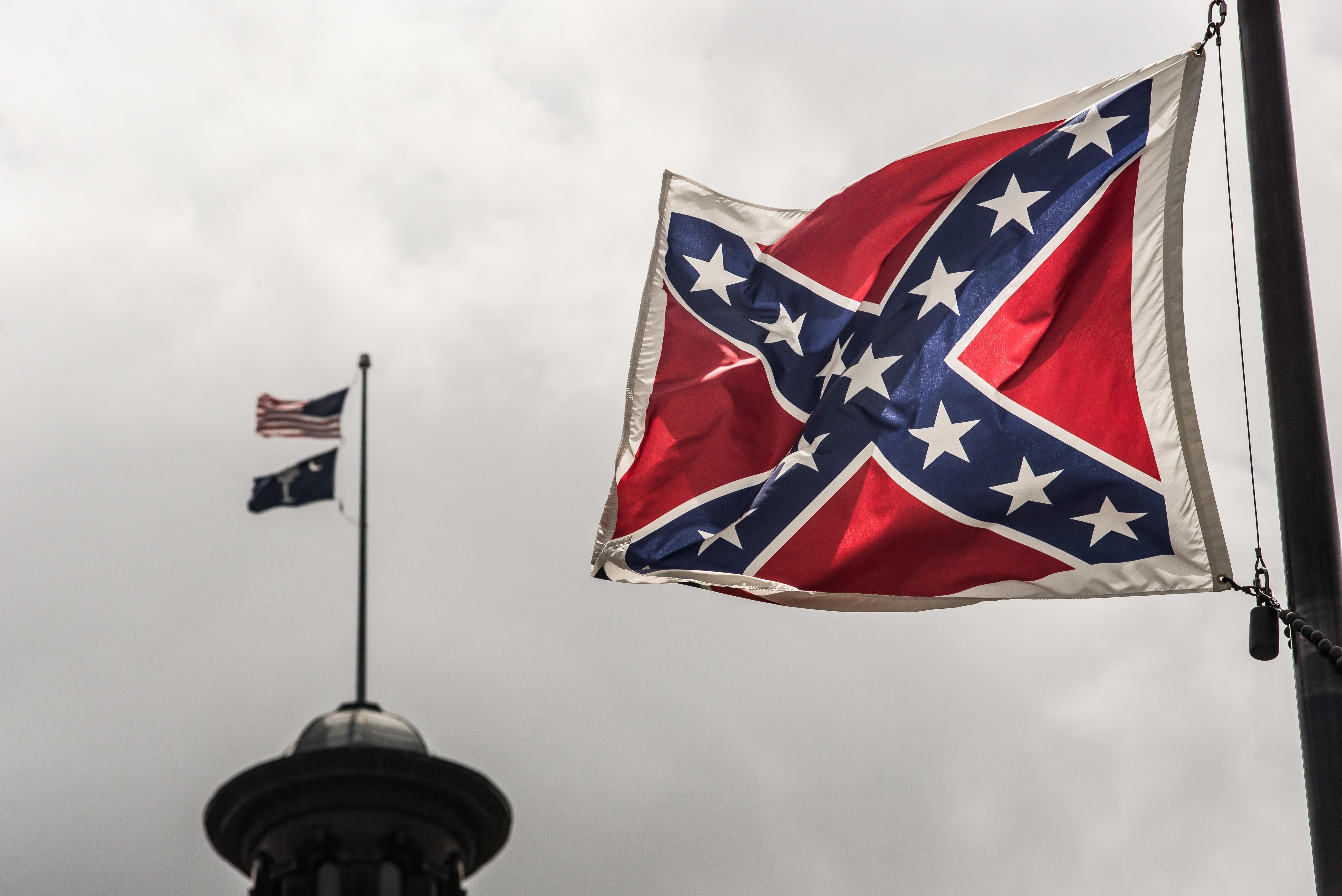 Marine Corps to remove displays of Confederate battle flag