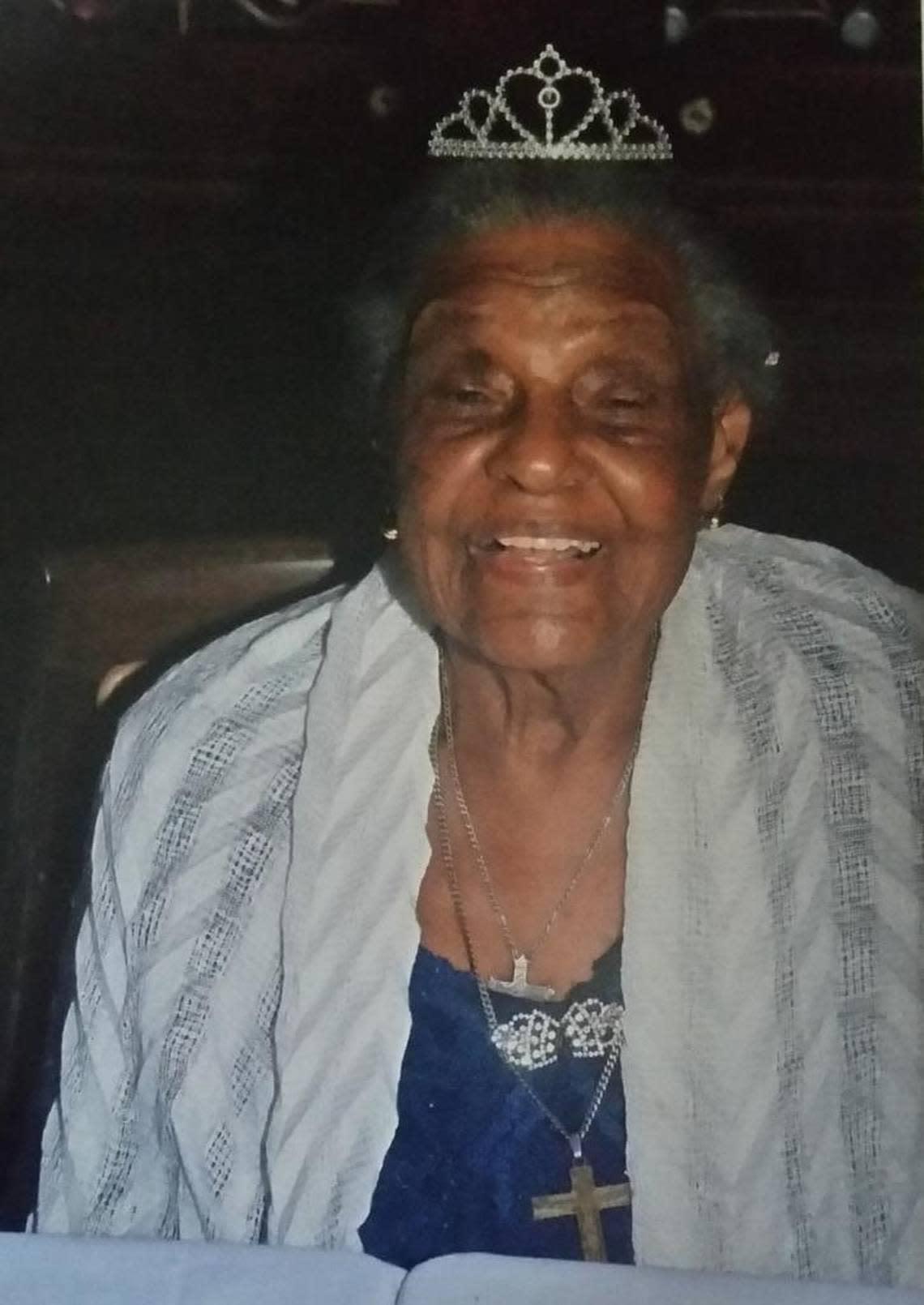 Ruth Sweeting Walkes, oldest Booker T. High grad, Christ Episcopal stalwart, dies at 103