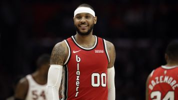 Report: Blazers to keep Melo for the season