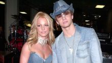 11 celebrity couples who have dressed the same