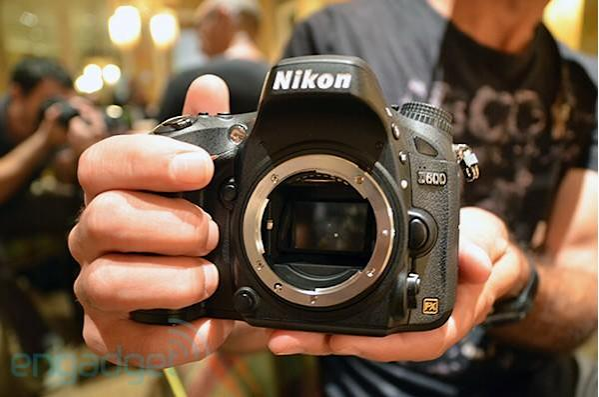 Nikon unveils lightweight, full-frame D600 DSLR -- hands-on and low-light samples (video)
