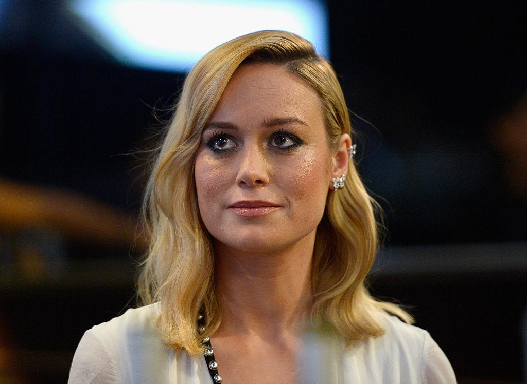 brie larson got stuck in a huge line to vote early so of course she did something just awesome. Black Bedroom Furniture Sets. Home Design Ideas