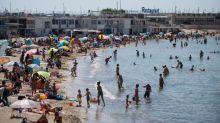 Masque obligatoire sur tous les marchés, médiateurs sur le littoral, flyers et panneaux explicatifs : Marseille renforce ses mesures anti coronavirus