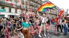 A Paris, une Marche des fiertés alternative rassemble plusieurs milliers de personnes