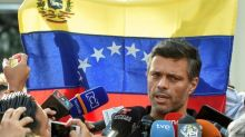Venezuela : un ténor de l'opposition, Leopoldo Lopez, en route pour l'Espagne
