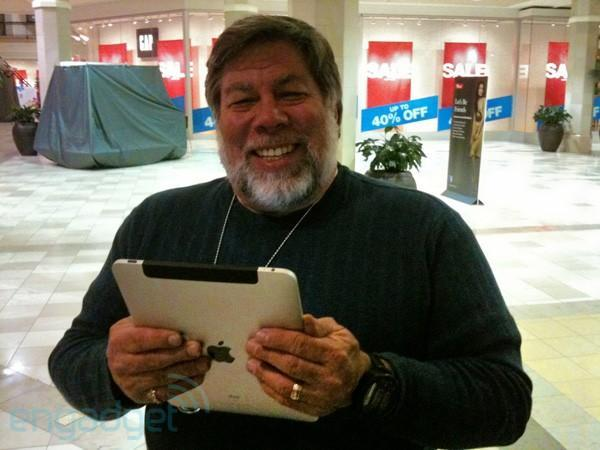 First 3G iPad sighted in the wild, Steve Wozniak plays it cool by riding a Segway (video)