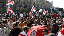 Hunderttausend Menschen demonstrieren in Minsk erneut gegen Präsident Lukaschenko