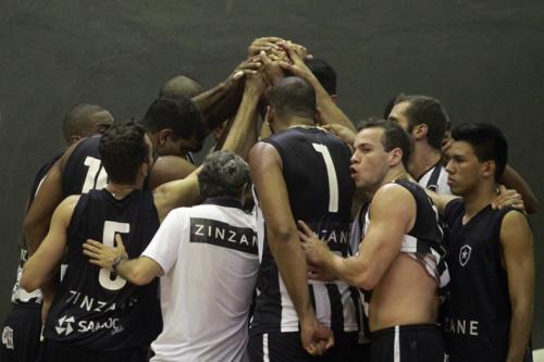 Upis e Botafogo abrem as quartas de final neste domingo