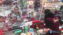 美確診衝破14萬!鄰國墨西哥超市祭「低成本」新招防飛沫