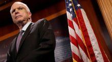 Donald Trump warnt John McCain