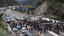 España y Francia desvían el tráfico antes de la frontera por el corte en la AP-7