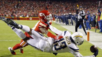 Keenan Allen could miss time with hip injury