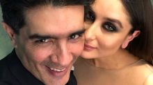 Photo Alert: Kareena Kapoor Khan defines ethereal; poses with Manish Malhotra