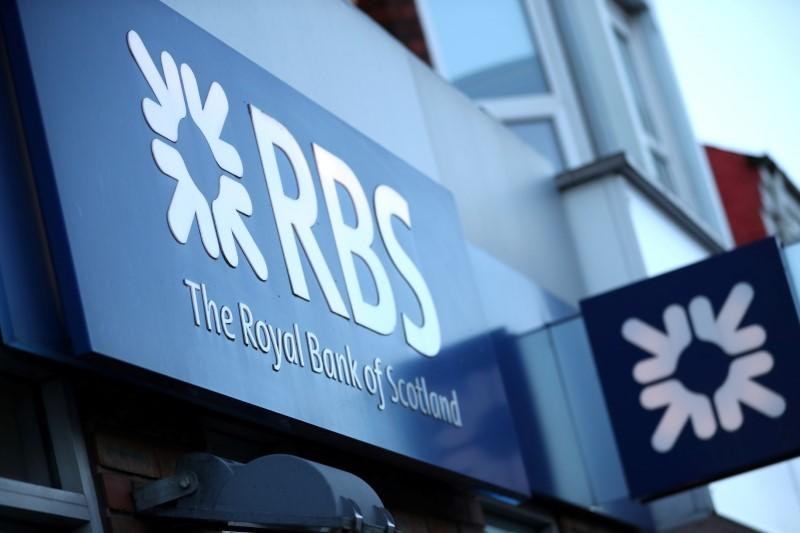 Lawmakers criticise RBS and Barclays for online banking outages