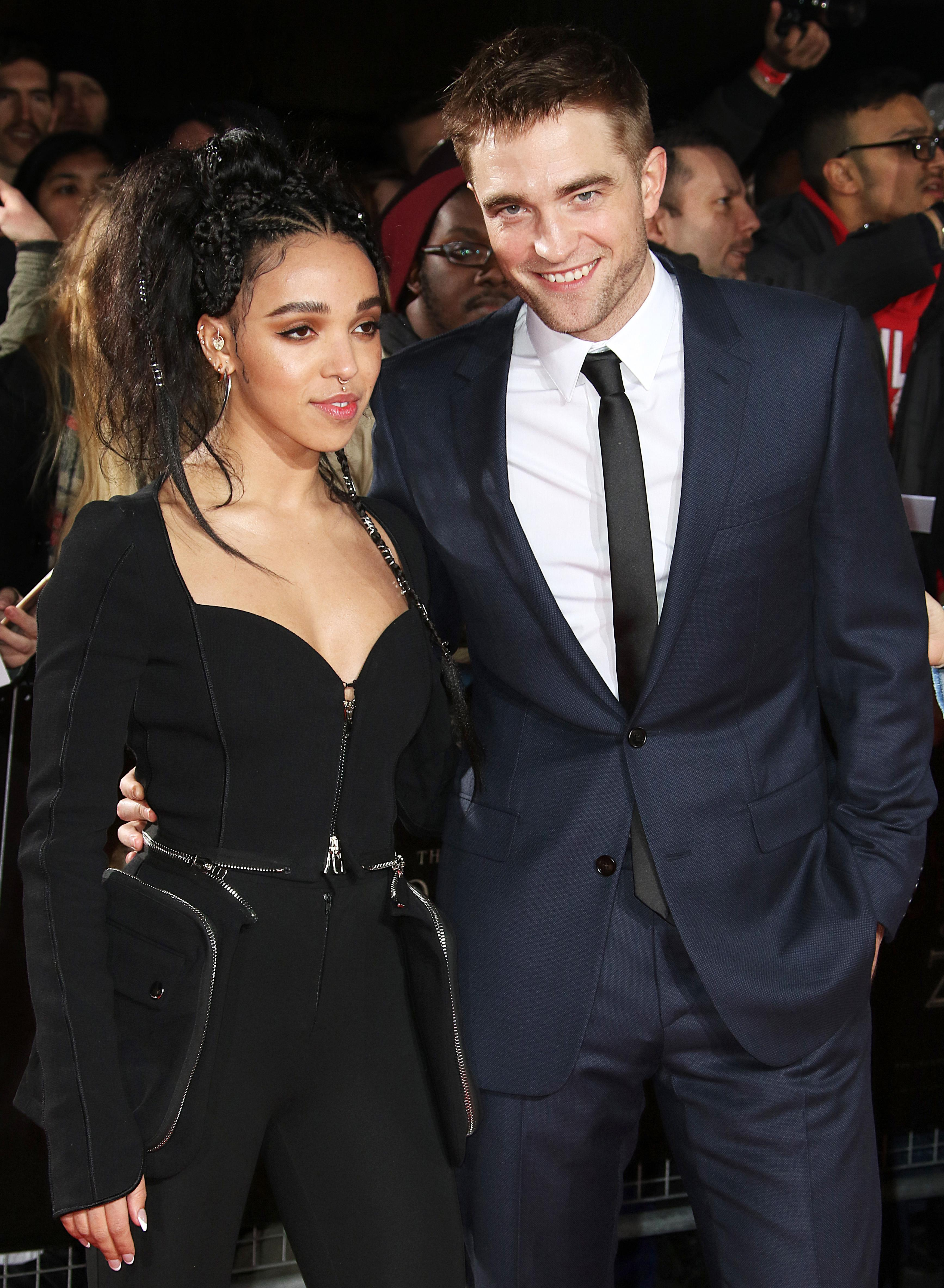 """robert pattinson whos he dating now Kristen stewart forgets all about robert pattinson by finding love with a woman - and her mum is made up the twilight star's mum, jules, said: """"i've met kristen's new girlfriend, i like her."""