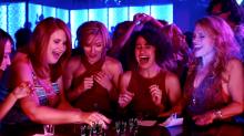 Scarlett Johansson estrela trailer da comédia 'A Noite é Delas'. Assista