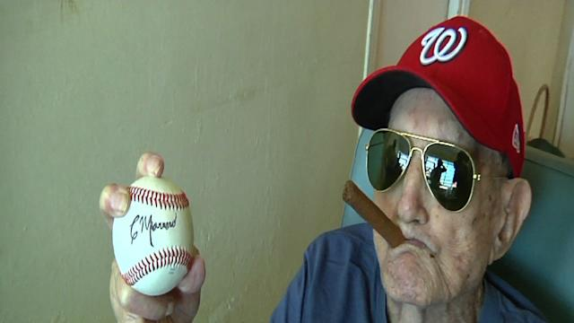 World's Oldest Ex-MLB Player Turns 102 in Cuba