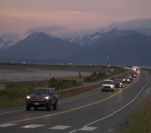 Alaska quake produces prolonged shaking, small tsunami