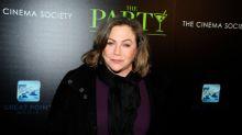 """Kathleen Turner se despacha a lo lindo contra Nicolas Cage y otros actores de Hollywood: """"Es un idiota"""""""