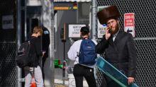 A Brooklyn, des juifs orthodoxes refusent les restrictions pour enrayer la pandémie