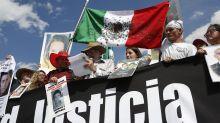 México: Simpatizantes de AMLO insultan marcha por la paz