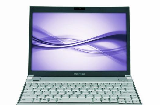 Toshiba gets official with Portege R600 ultraportable