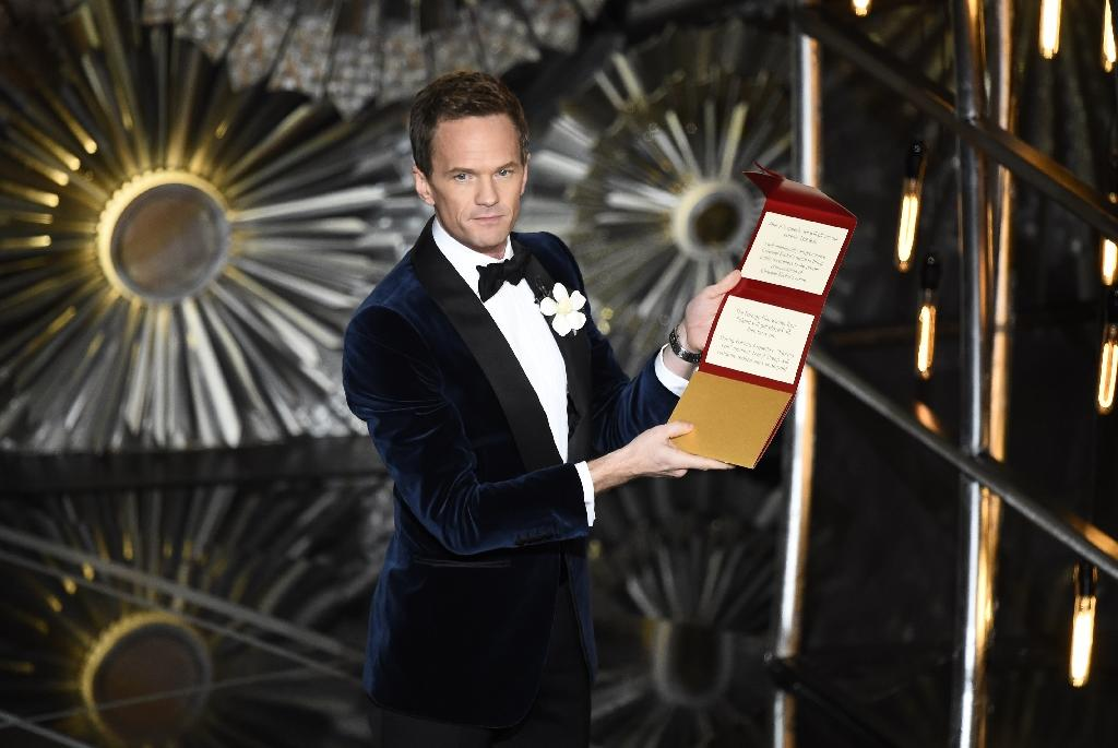 Host Neil Patrick Harris talks to the audience on stage at the 87th Oscars February 22, 2015 in Hollywood, California (AFP Photo/Robyn Beck)