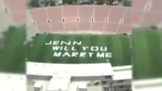 Couple Finds Love Over the Rose Bowl