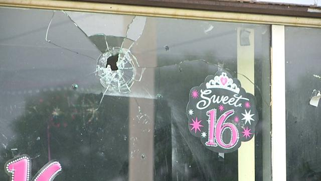 Four Dead after Sweet Sixteen Shoot-out