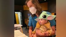 'Mandalorian' Composer Accepts His Emmy With His Baby, Dressed as Baby Yoda