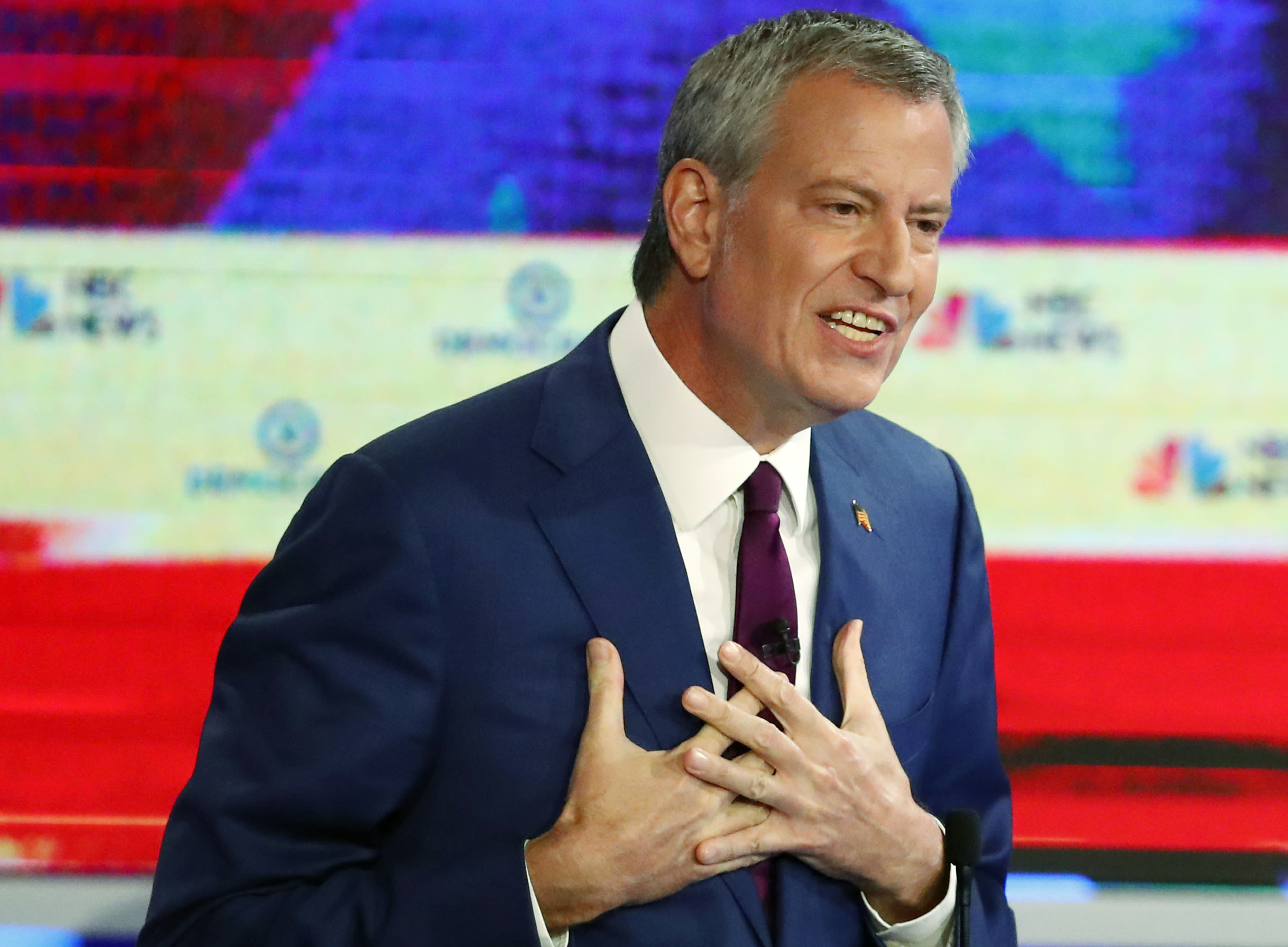De Blasio shouts Cuba's Communist slogan at rally in Miami