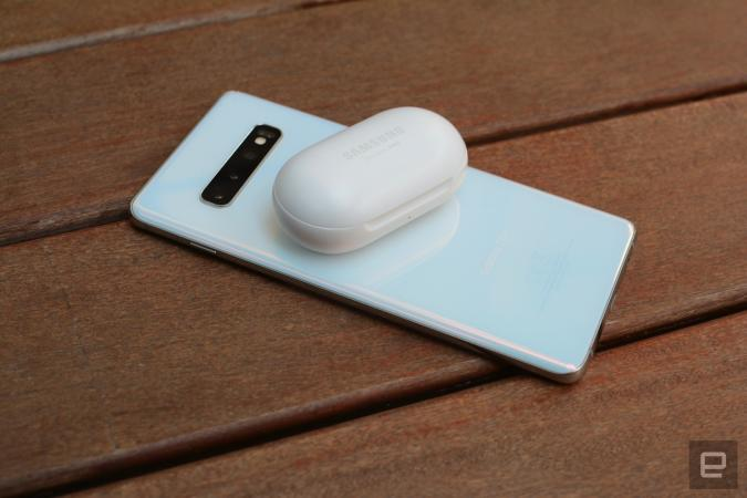 NFC Forum wireless charging for small devices
