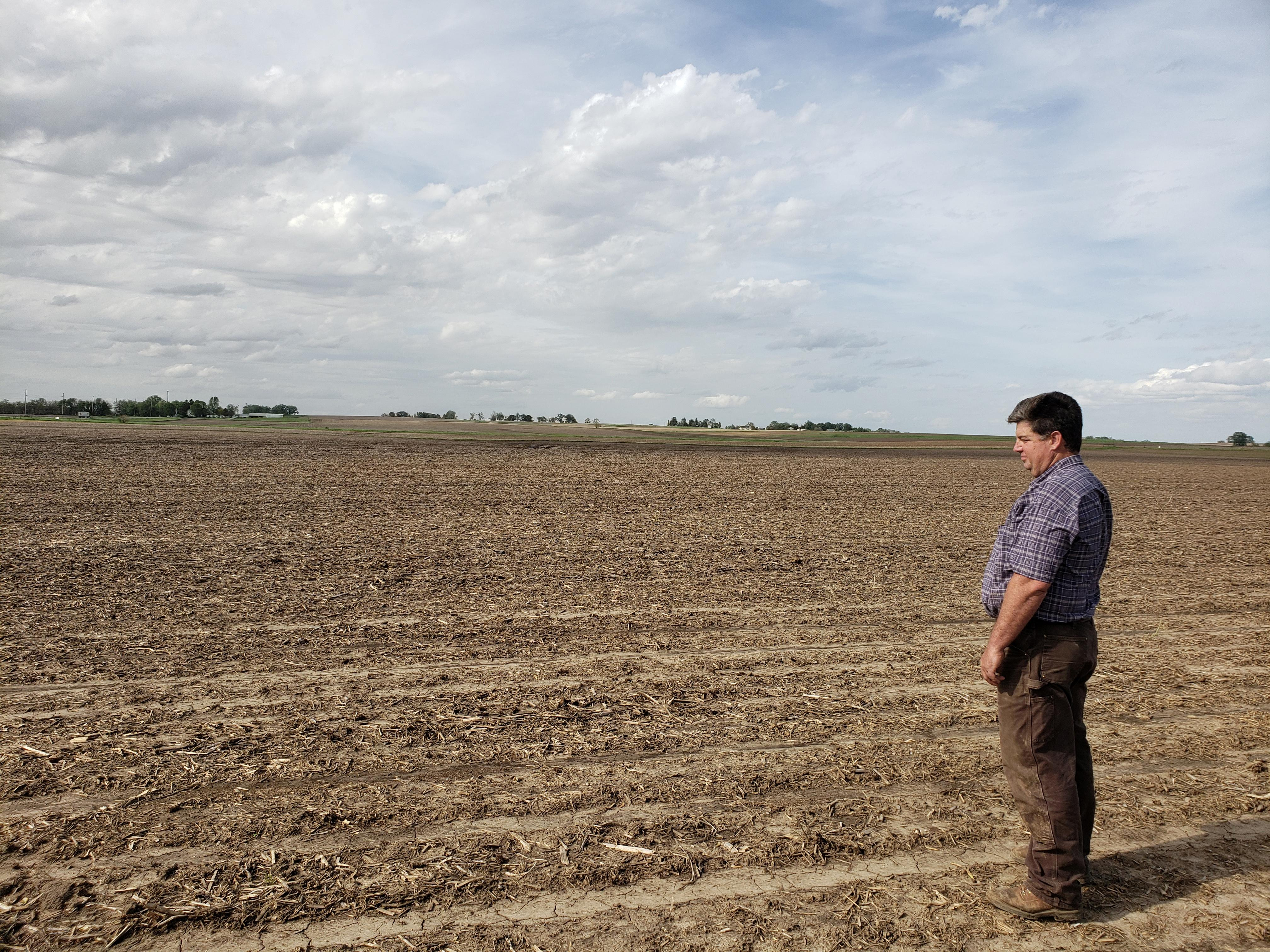 American farmers 'are in it for the long haul,' Iowa governor says about trade war