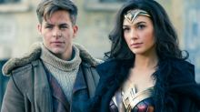 Sozinha, 'Mulher-Maravilha' supera Batman e Superman