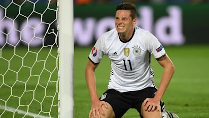 Arsenal, Liverpool and Man Utd battle for Draxler