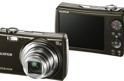 FujiFilm's 12 megapixel F200EXR camera promises a revolution, might just deliver