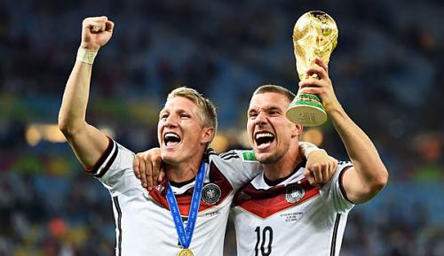 """DFB-Team: Schweinsteiger schreibt Podolski: """"Servus, mein Freund"""""""