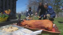 Tomb sweeping tradition extra special this year as Chinese community celebrates 100th anniversary