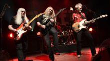 Konzert in Berlin: The Sweet lassen sich in Berlin von Glam-Rock-Fans feiern