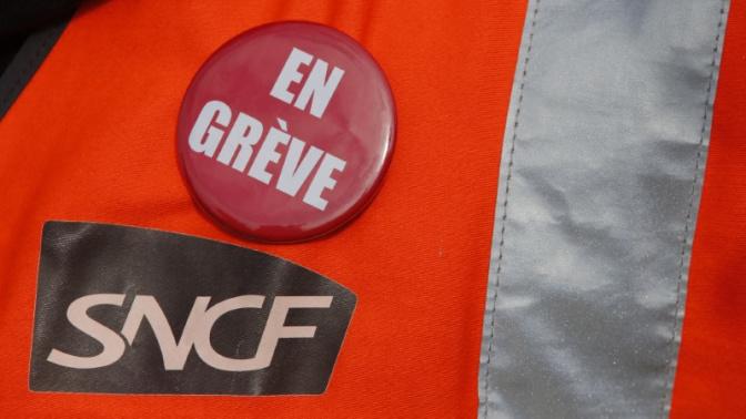 EN DIRECT - Grève du 22 mars : transports et services publics perturbés, 140 manifestations prévues