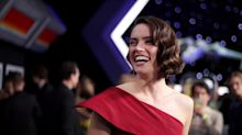 Daisy Ridley wore the dream Christmas dress at 'Star Wars' premiere