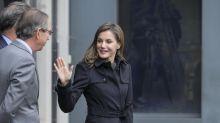 Como en Hollywood, la reina Letizia también de negro