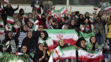 Iran: une centaine de femmes admises dans un stade à un match de foot