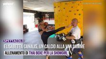 Elisabetta Canalis, un calcio alla Van Damme