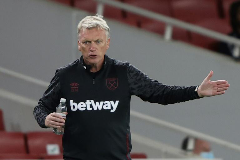 West Ham boss Moyes, two players test positive for coronavirus