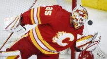 Markstrom records shutout, Flames top Canucks 3-0