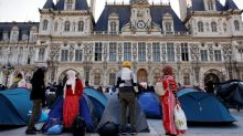 'Cry for help': Migrants pitch tents in central Paris