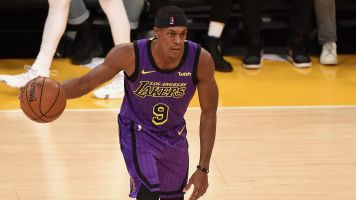 Rondo suffers broken hand in Lakers' victory