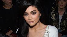 Kylie Jenner postet süßes Babyfoto, doch die User stören sich an einem Detail